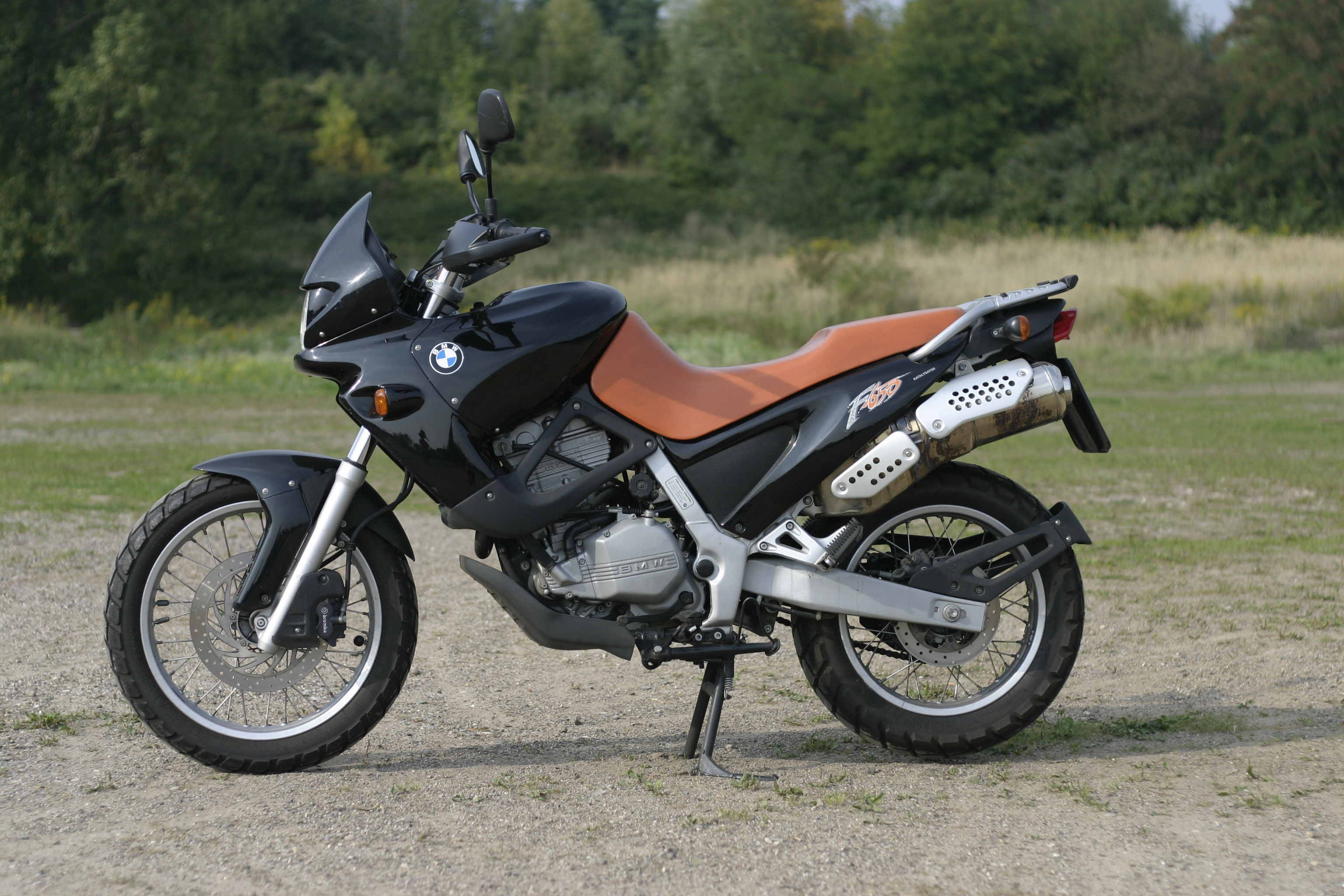 Motorcycle_BMW_f650_st_01